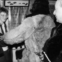 Karu krabab naisi